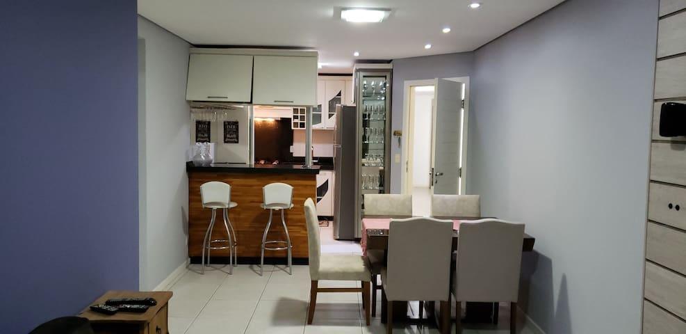 Sala e cozinha, TV 40 polegadas, climatizado