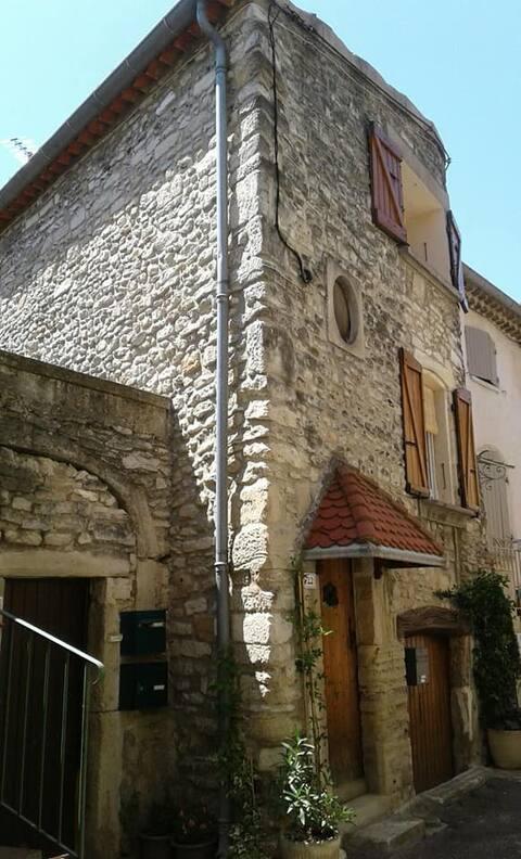 Drôme Provençale 2pers-Le Mas de la tour-Taulignan