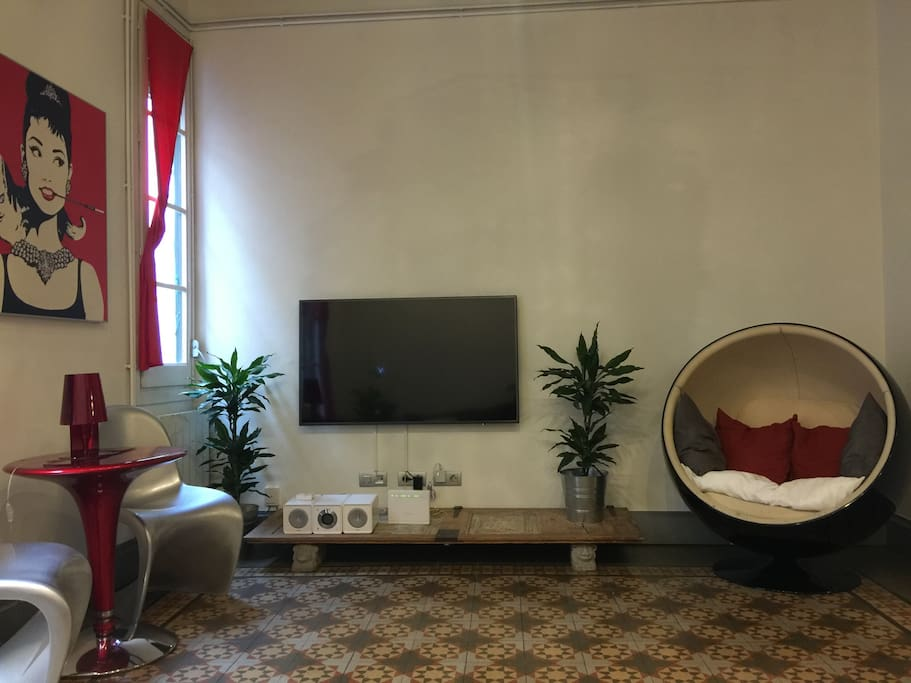 Living room with flat screen Smart TV