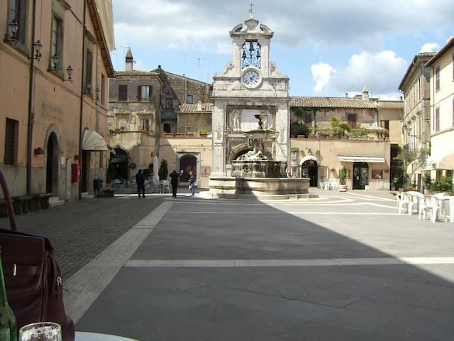 Square in old center of Sutri