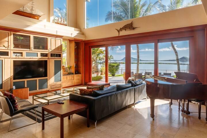 Sea Breeze Manor ~ Ocean Views, Pool & AC