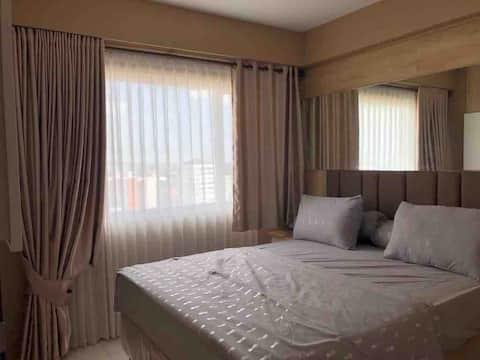 Spacious comfy room at royal apart