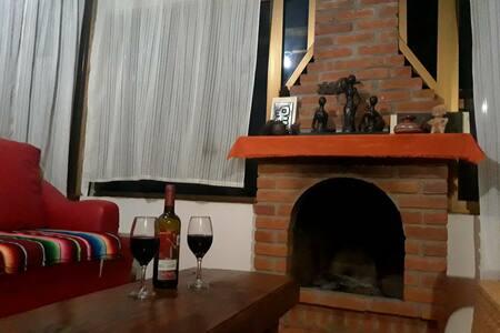 """""""Ireri"""" Cabaña en Patzcuaro con vista a la ciudad"""