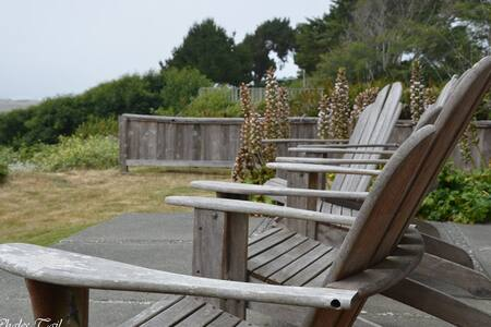 The Whales Tale Cabin w/ Fab Ocean & River Views - McKinleyville - Kisház