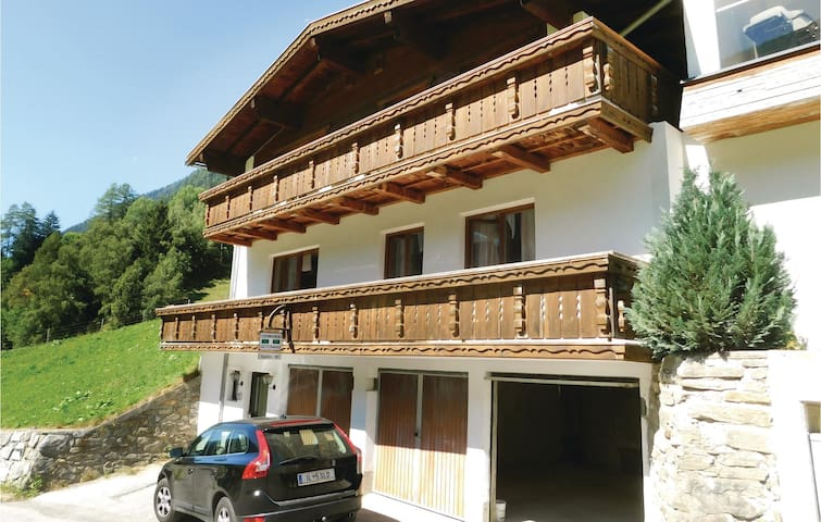 Holiday cottage with 5 bedrooms on 130 m²