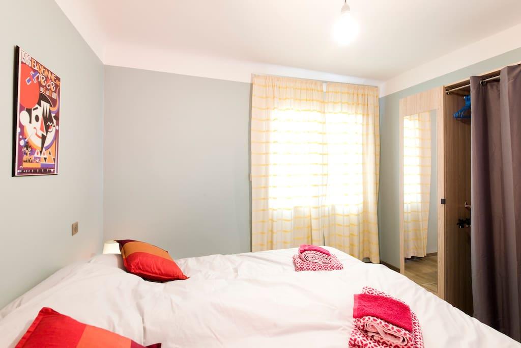 Chambre du rdc avec 2 lits de 80*200 avec dressing