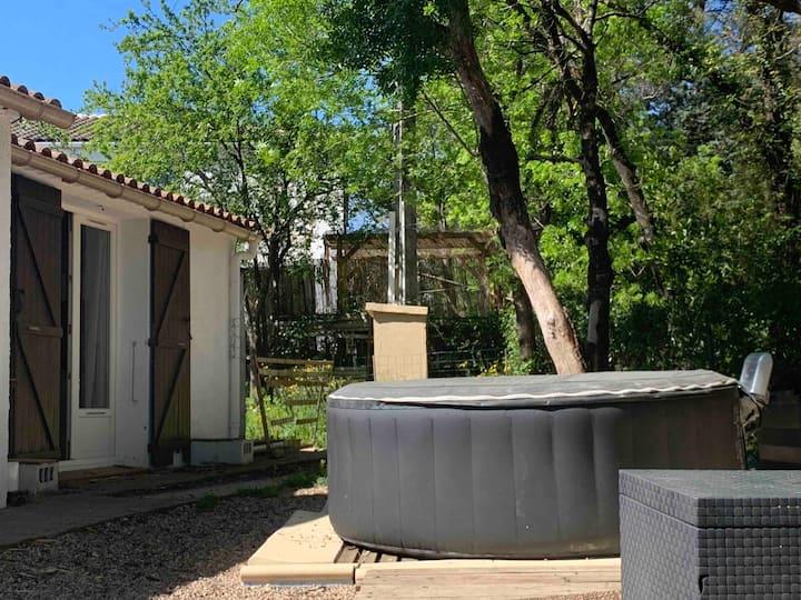 Chambre+jacuzzi avec jardin +possibilité lit bébé