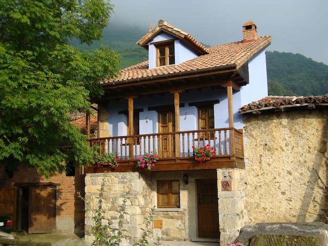 Casa LA PONTONA