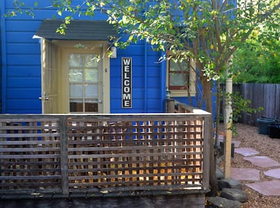 Blue Bungalow-Private & Central - San Rafael