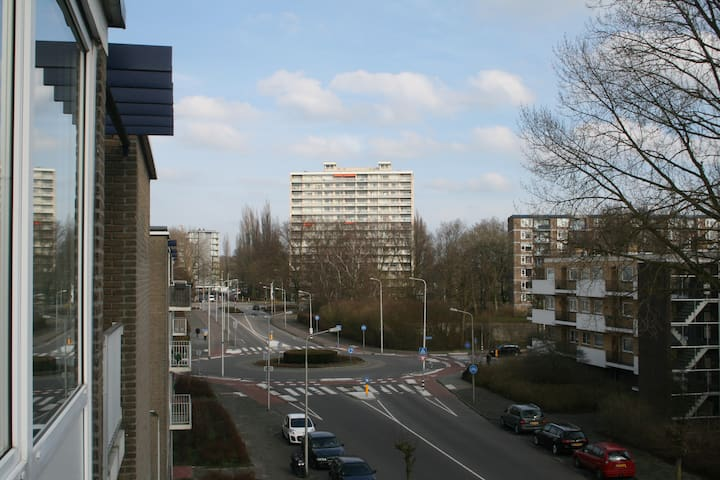 Nice and comfortable near the metro station - Amstelveen - Pis
