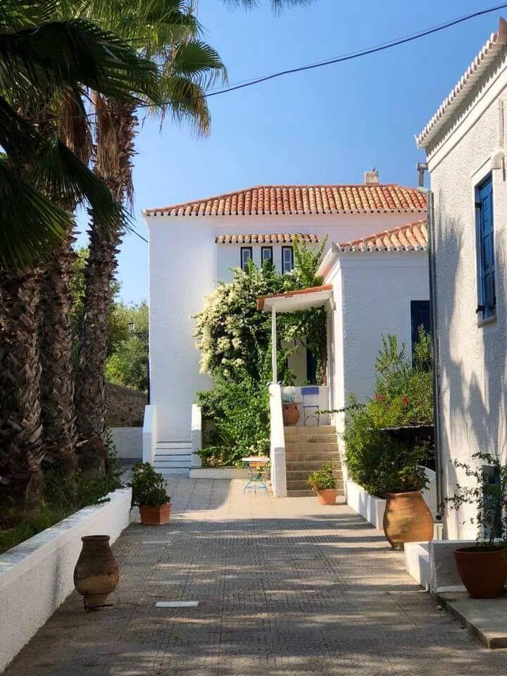 Spetses Cozy Villa