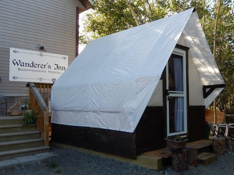 Wanderer's Inn Hostel - Private Walltent