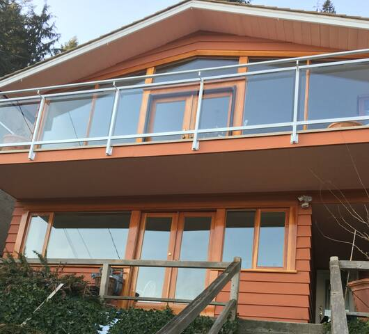Deep Cove Semi Water Front Luxury Entire Home/Apt - Kuzey Vancouver