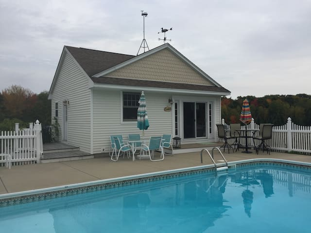 Gorham Guest House with Pool