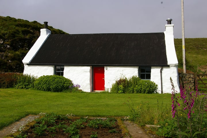 Allt Mor - Beautiful original croft cottage