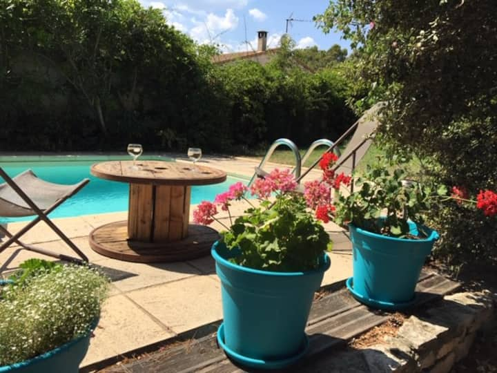 Villa avec piscine, proche de st remy de Provence