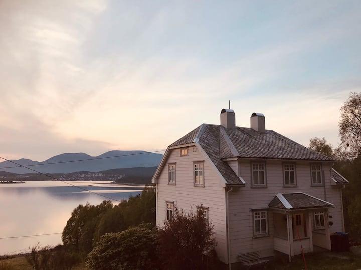 Fjord panorama Høyvik,17km from Ålesund citycenter