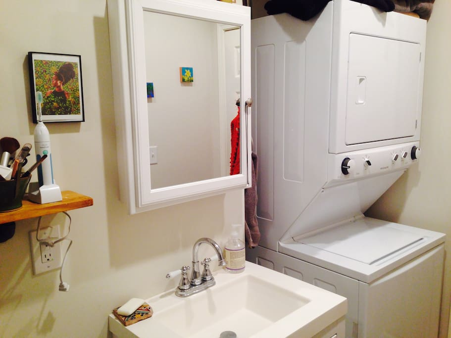 Stackable washer dryer unit with Eco-friendly laundry detergent