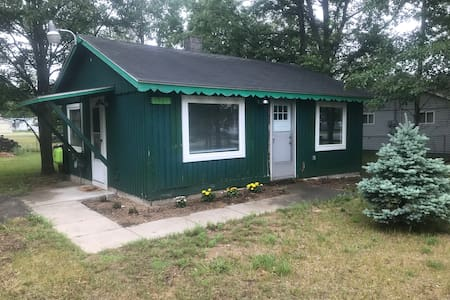 Green Cabin close to ORV trails & Lake St Helen