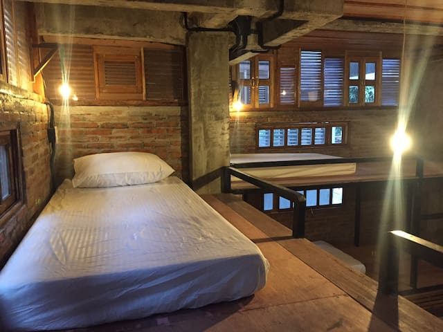 Comfortable Bunk Bed in 8-bed dormitory - Dumaguete