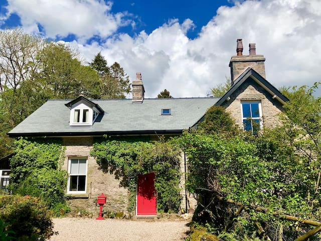 Woodhaven - Luxury 4-bed home near Lake District