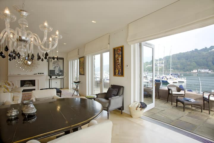 Luxury riverside home, Dartmouth