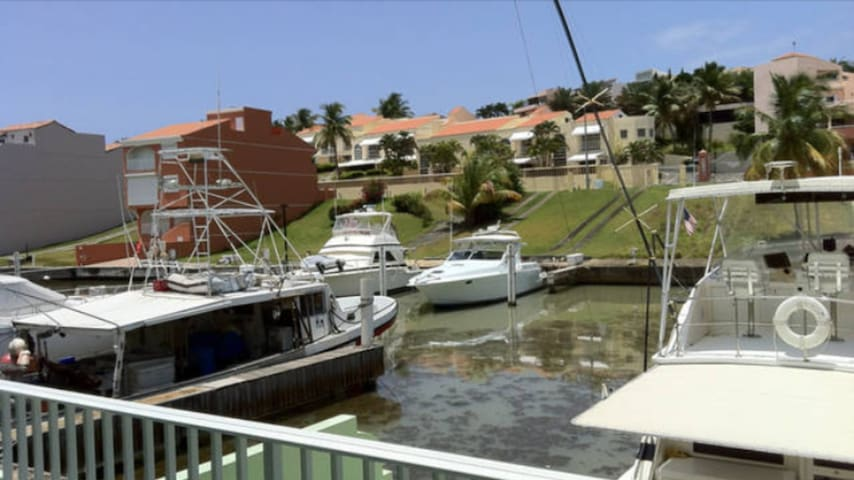 Three-story townhouse with dock in Palmas del Mar - Palmas del Mar - Hus