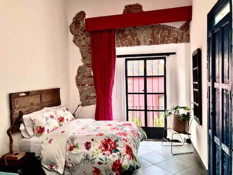 Comfy and stylish Suite in Downtown Puebla