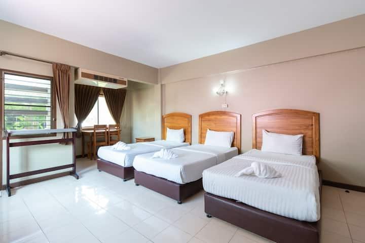 Clean Basic Triple Room (Fl: 2,3) at Best LD Hotel