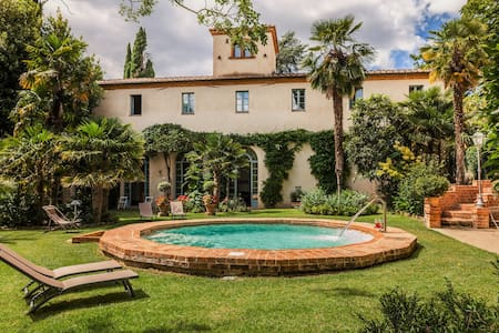 Ancient villa with Jacuzzi, pool and tennis court - Sinalunga - Villa