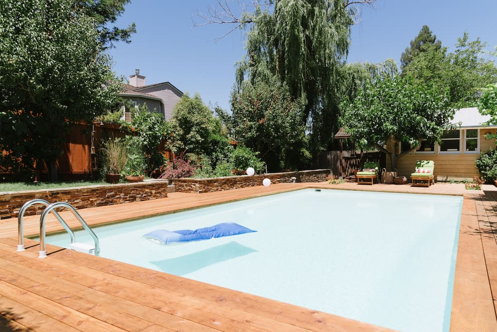 The pool can have a safety fence around it for families with young children