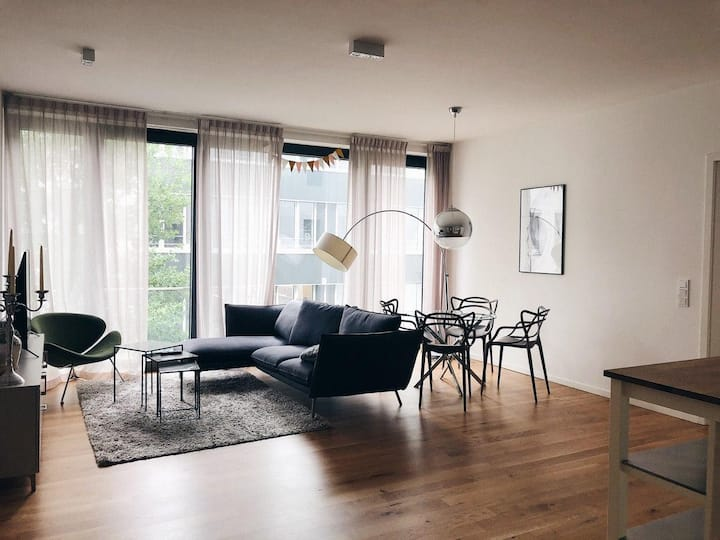 Clean 2 BR Contemporary Nordic-Style Apt in Mitte