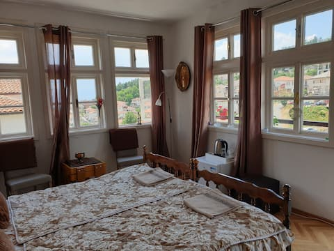 ⭐Authentic room apartment⭐ with great lake view