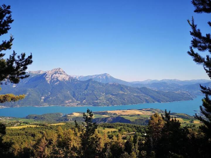 T2 neuf,  vue Lac & Montagnes, hammam privatif