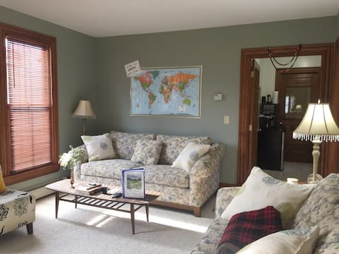 Cozy Guest Suite w/ Private Entrance & Driveway!