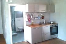 Kleine Einliegerwohnung mit Küche und Bad