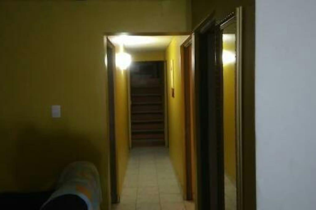 Cuatro dormitorios, camas de dos plazas