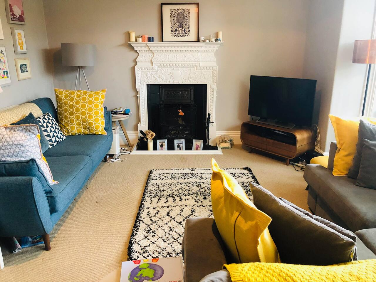 Sitting room with Sky TV, Netflix and games