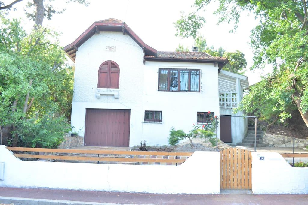 Villa arcachonnaise maisons louer arcachon for Arcachon location maison