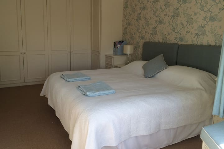 Luxury double bedroom - Wareham - Bed & Breakfast