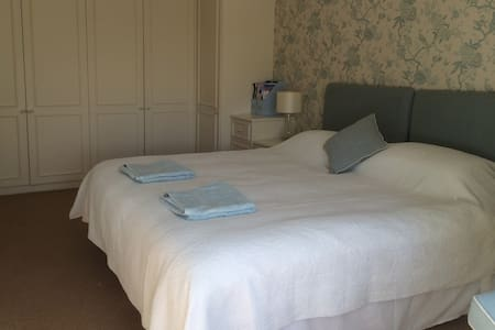 Luxury double bedroom - Wareham