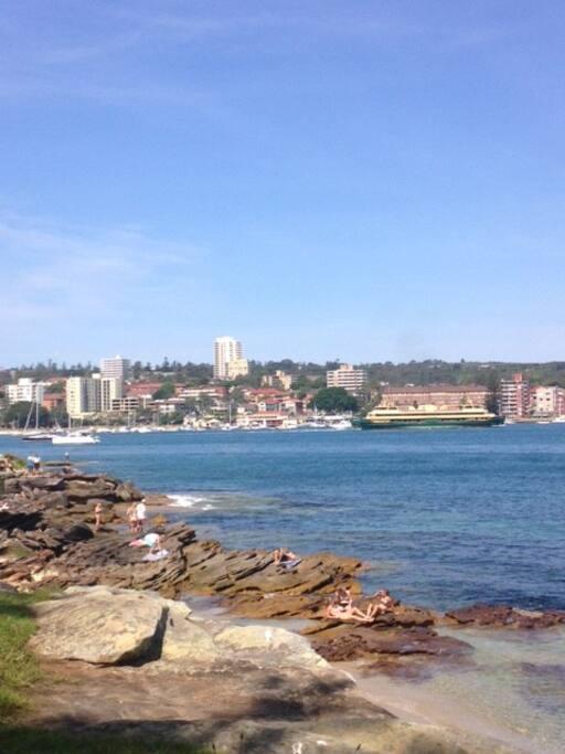 5 min walk to Fairlight beach.