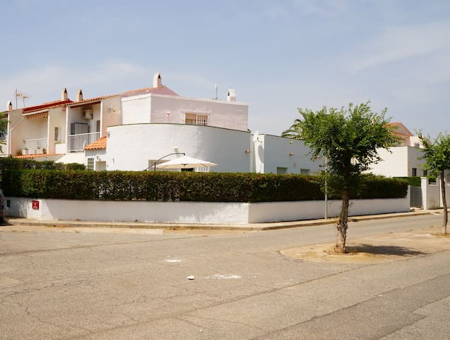 Authentic Spanish Villa near Beach