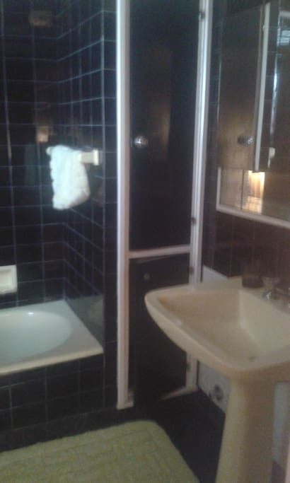 Baños completos con ducha y bañera