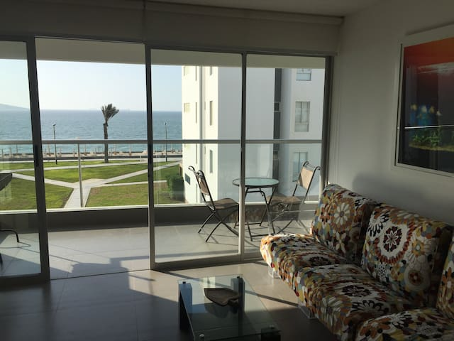 Ocean View Apartment in Paracas