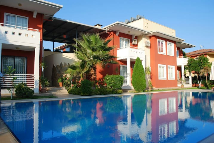 Cozy apart in 350m from the sea - Çamyuva - Apartment