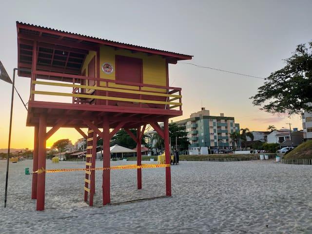 Canasvieiras - apartamento em frente ao mar
