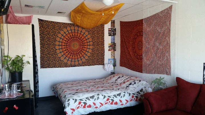 Red Room is a romantic space & 420 weed friendly!