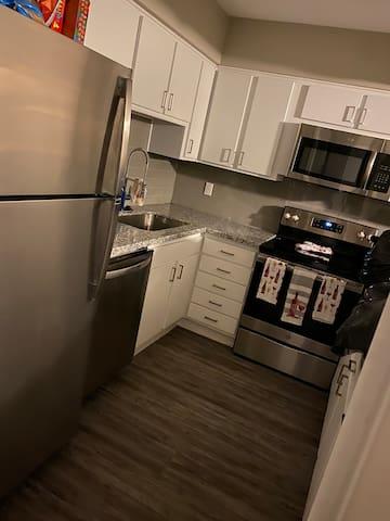 Southeast Dallas. Upscale Lux entire Apartment