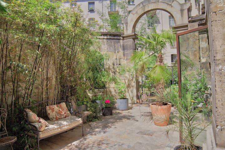 ★ Quiet apartment in Marais